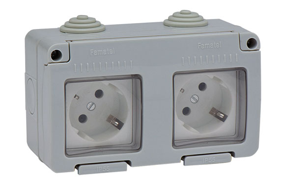 Base doble tt lateral superficie 16a ip55