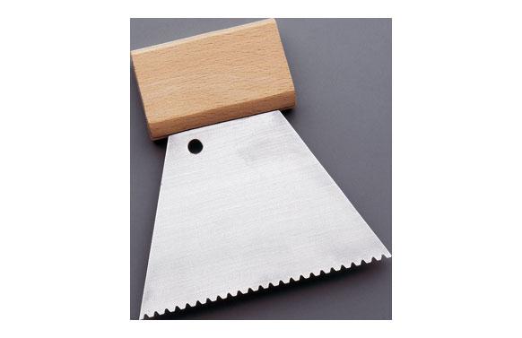 Espatula dentada acero mango madera 120 mm