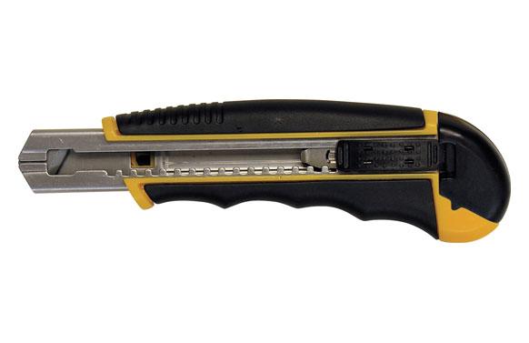 Cuter 18 mm. con cargador automatico incluye 6 hojas de recambio