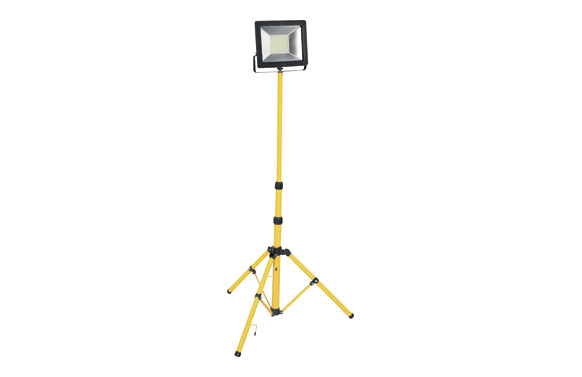Foco proyector led 1 x 50 w con tripode 5000 lm ip65