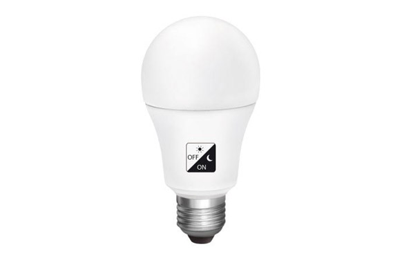 Lampara estandar led con sensor crepuscular e27 10 w luz fria